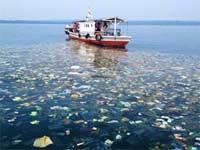Пластик из океана исчезает
