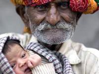 Мужчина стал отцом в 74 года
