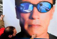 Шварценеггер сравнил экономику Калифорнии с Грецией