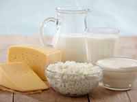 Засыпать лучше всего под сыр с молоком
