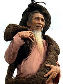Умер человек с самыми длинными волосами в мире