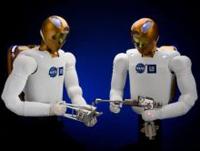 НАСА и GM будут производить роботов