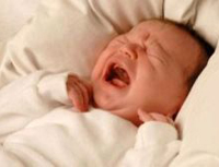 Новорожденные плачут на разных языках