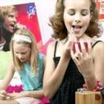 Макияж создает серьезный риск для здоровья девочек