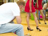 Почему женщины любят делать покупки