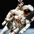 Космонавты стареют в десятки раз быстрее