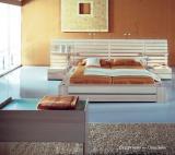 Элитная спальня из дерева