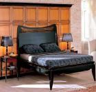 Черная спальня из дерева